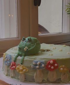 Pretty Birthday Cakes, Pretty Cakes, Cute Cakes, Sweet Cakes, Mushroom Cake, Frog Cakes, Think Food, Cute Frogs, Cute Desserts