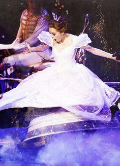 Cinderella / Laura Osnes