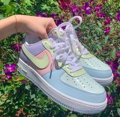 Deadstock nike air force 1 easter egg edition excellent picture of easter egg coloring page Shoes Adidas, Cute Nike Shoes, Girls Nike Shoes, Colorful Nike Shoes, Vans Shoes, Zapatillas Nike Air Force, Souliers Nike, Sneakers Fashion, Fashion Shoes