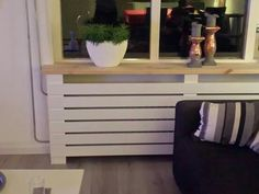 Radiator ombouw House Interior, Happy New Home, Modern Radiator Cover, Interior, Home Diy, Home Deco, Hallway Designs, Cozy House, Home Decor