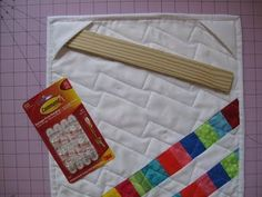Hang Your Quilt Using Corner Pockets & Command Hooks, how cool is that?.
