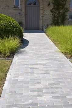 Outside Living, Go Outside, Driveway Design, Garden Design, House Design, Garden Paving, Bath Tiles, Front Steps, House Front