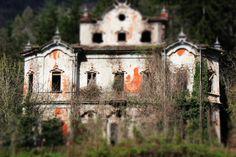 La Villa dei fantasmi - Cortenova - Lc - Italy