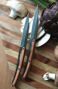 Vous cherchez à troquer le couteau suisse poussiéreux que votre aïeul vous a refourgué contre une lame à la pointe de l'élégance ? Bingo, Deejo propose des couteaux personnalisables ultra-légers qui nous collent à la...