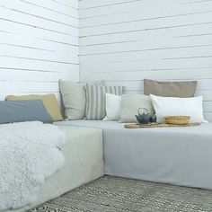 Turn a twin size bed into an instant day bed
