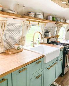 One of the prettiest kitchens I've ever seen in a vintage Airstream! One of the prettiest kitchens I've ever seen in a vintage Airstream! Pretty Kitchen, Sweet Home, Rv Living, Vintage Kitchen, Kitchen, Tiny Living, Camper Living, Tiny House Living, Diy Camper Remodel
