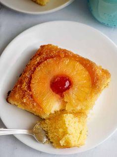 Super Moist Pineapple Upside Down Cake Pineapple Recipes, Pineapple Cake, Pineapple Juice, Moist Pineapple Upside Down Cake Recipe, Crushed Pineapple, Just Desserts, Delicious Desserts, Dessert Recipes, Fall Desserts