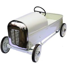 English Royal Prince Pedal Car by Triang 1
