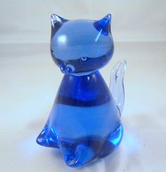 Cobalt glass cat paperweight vintage glass by TreasuresFromTexas