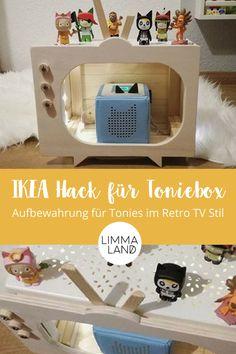 Mit der KNAGGLIG Holzkiste von IKEA und dem VARIERA Regal kannst du ein schönes Tonies Regal bauen. Ein Tonie TV sozusagen. Die KNAGGLIG BBox ist ideal dafür. Eine Anleitung gibts hier bei Limmaland auf dem Blog. #tonie #tonieregal #tonies #limmaland #toniesaufbewahrung #toniebox