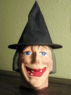 'Old Blue Eyes' German witch c/c