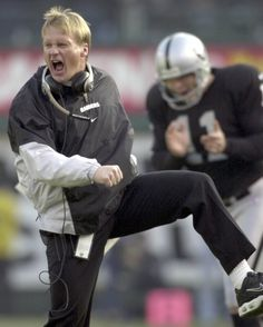 Jon Gruden in his heyday as coach of the Raiders. Eagles' fans may remember that Gruden was the Eagles' offensive coordinator before being named the Raiders' head coach. Raiders Pics, Oakland Raiders Images, Nfl Raiders, Oakland Raiders Football, Raiders Baby, Football Boys, Raiders Stuff, Football Helmets, Raiders Players