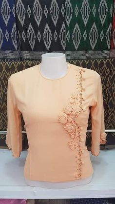 Myanmar Traditional Dress, Traditional Dresses, Dress Neck Designs, Blouse Designs, Myanmar Dress Design, Clothing Patterns, Clothing Ideas, Designer Dresses, Bell Sleeve Top