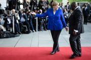 Bundeskanzlerin Angela Merkel empfängt den ghanesischen Präsidenten Nana Akufo-Addo. (Bild: Clemens Bilan / EPA)