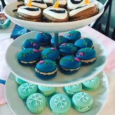 Last one.... I (think I) promise! #desserts #dessert #party #frozenparty #frozen #macarons #frenchmacarons #beverly #beverlyma #boston #northshore  #decoratedcookies #cookies
