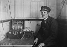 1923 - Concert T.S.F. sur 1 bateau parisien   Photographie de presse : Agence Rol