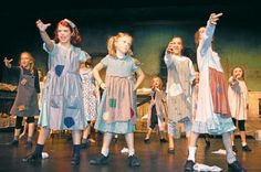 Annie Musical - Bing Images Love the clunky shoes