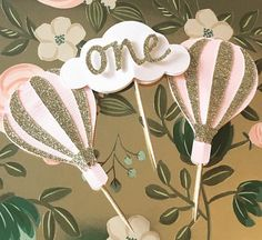 Cloud and Hot Air Balloon Cupcake Toppers! First Birthday Hot Air Balloon Theme- ONE Cloud Cupcake Toppers Ballon Decorations, Love Decorations, Paper Decorations, Balloon Cupcakes, Hot Air Balloon Cake, First Birthday Cupcakes, 1st Birthday Parties, Balloon Birthday Themes, Birthday Party Checklist