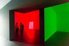 Colored Square: Light Projections by James Turrell and Amish quilts on view at De Pont Museum
