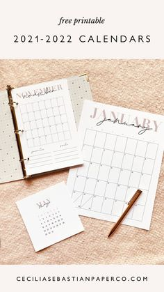 @cecilia.sebastianpaperco | ceciliasebastianpaperco.com | Now you can organize, plan and streamline your life! Super easy to print at home and available in 3 sizes to fit all of your needs! Available in 3 versions - full sheet 8.5 x 11, half sheet for your planners and a 5x5 desk version. Diy Wedding Bouquet, Diy Wedding Favors, Diy Wedding Decorations, Diy Wedding Stationery, Printable Wedding Invitations, Free Printable Calendar, Free Printables, Do It Yourself Wedding, Diy Wedding Projects