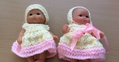 Taffy Lass Knits: Easter Outfit for Baby Doll Knitting Dolls Clothes, Crochet Doll Clothes, Knitted Dolls, Crochet Dolls, Baby Clothes Patterns, Doll Patterns, Knitting Patterns, Clothing Patterns, Frock Patterns