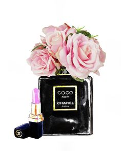 Chanel With Pink Roses Poster by Del Art. All posters are professionally printed, packaged, and shipped within 3 - 4 business days. Choose from multiple sizes and hundreds of frame and mat options. Coco Chanel Wallpaper, Chanel Wallpapers, Cute Wallpapers, Chanel Wall Art, Chanel Decor, Paris Room Decor, Chanel Poster, Parfum Chanel, Megan Hess