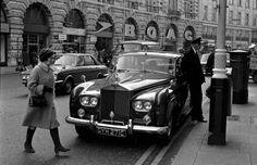 Regent Street, 1974 ~ (Photo by Daniel Vaúlot)