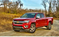 Chevy Colorado beats F-150 for Truck of the Year | : Power comes from a 200-hp 2.5-liter four-cylinder with 191 lb-ft of torque or an optional 3.6-liter V-6 with 305 hp and 269 lb-ft. The V-6 offers an optional 7000-lb tow rating. Extended or crew cabs, five- and six-foot beds are available, as is a six-speed manual for base models; LT and Z71 models get a six-speed automatic