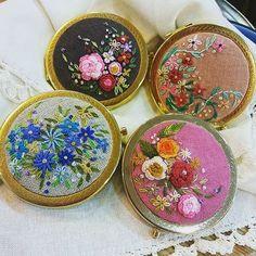 #embroidery#stitch#needlework#hand mirror #프랑스자수#일산프랑스자수#자수#자수손거울 #비오는 날~ 화사한 손거울로 up ~
