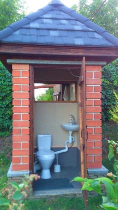 39 ideas dogs ideas water for 2019 Outside Toilet, Outdoor Toilet, Outdoor Baths, Outdoor Bathrooms, Grey Water Recycling, Outhouse Bathroom, Village House Design, Garden Cafe, Outdoor Kitchen Design