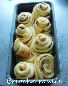 Rolled Brioche with Chocolate Chips (Companion recipe . or not) - Madelaine Siggery Breakfast Crockpot Recipes, Egg Recipes For Breakfast, Healthy Breakfast Smoothies, Breakfast Muffins, Eat Breakfast, Brunch Recipes, Sweet Recipes, Cooking Recipes, Dessert Companion