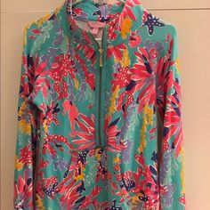 HTF Lilly Pulitzer Trippin n Sippin Popover Size medium. Great used condition Lilly Pulitzer Tops Tees - Long Sleeve