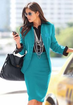 skirt suit in blue  Love the Pearls !!!