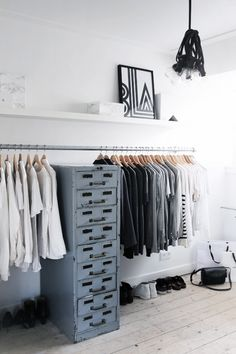 Taan says: Yea, luv it. This is great way to hang your clothes, practical and pretty ( if you have nice clothes.. )