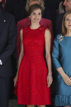 Letizia insists on the red - The Dressing Room of Letizia