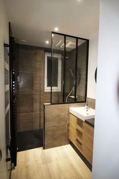 Komplette Renovierung eines Badezimmers in Muzillac – Bains Douches & Co. Simple Bathroom Designs, Modern Bathroom, Small Bathroom, Master Bathroom, Bathroom Laundry, Bathroom Design Inspiration, Bad Inspiration, Design Your Home, Beautiful Bathrooms