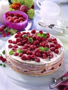 Himbeer-Buttermilch-Torte