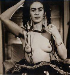 Julien Levy :: Frida Kahlo, Mexico, ca. 1938 / src: Philadelphia Museum of Art