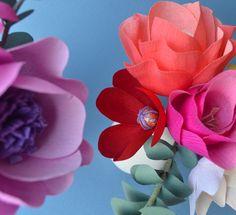Crepe paper flowers http://luciabalcazar.com/paper-flowers
