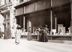 Old Picture of the Day: Window Shopping
