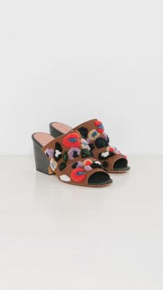 Dahl by Rachel Comey Quirky Shoes, Open Toe Mules, Bohemian Print, Leopard Pattern, Street Style Summer, Rachel Comey, Dahl, Party Shoes, Cow Leather