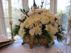 After being away for Christmas, home is where I want to be to ring in the New Year. Pressed Pants concurs, so we are having a cozy, . New Years 2016, Year 2016, New Years Eve, Cozy, Table Decorations, Christmas, Home Decor, Toile, Xmas