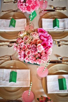 Pink and green table decorations Green Party Decorations, Wedding Decoration, Table Decorations, Kelly Green Weddings, Wedding Table Centerpieces, Centrepiece Ideas, Wedding Tables, Centrepieces, Rose Arrangements