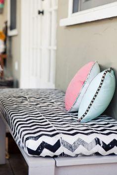 cojín estampado chevron pattern cushion decoración decoration miraquechulo