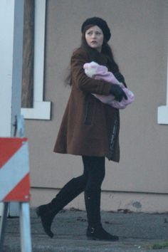 Emilie De Ravin with a baby - 5 * 16 - 6 January 2016