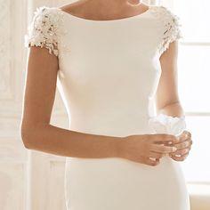 Elegant mermaid wedding dress with a bateau neckline Wedding Dresses Lds, Cheap Wedding Dress, Bridal Dresses, Girls Dresses, Satin Dresses, Elegant Dresses, Dresses With Sleeves, Occasion Dresses, Evening Dresses