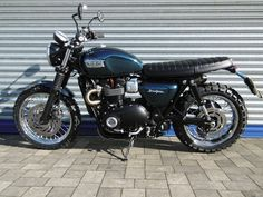 First Street Twin Custom | Triumph Motorcycles