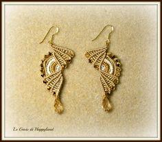 gold S shape macrame earrings - Happy Land Soutache Necklace, Macrame Earrings, Macrame Jewelry, Macrame Bracelets, Bridal Necklace, Diy Earrings, Micro Macramé, Quilling Jewelry, Jewelry Crafts
