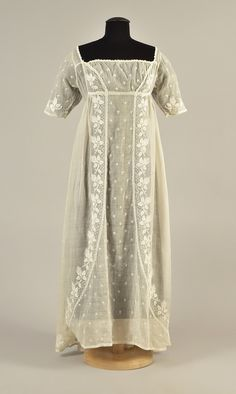 LOT 87 FRENCH EMBROIDERED MULL DRESS, 1805 - whitakerauction