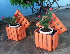 This idea is for the gardening lovers and those who like planting because they know the benefits of it; one can decorate the lawn of the home by reshaping the wood pallets into the planters. They look nice and as many of them can be created as a person requires according to the area of the lawn.